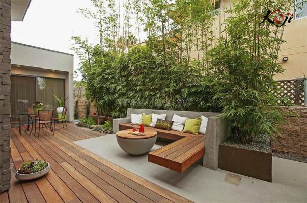 mẫu 7: thiết kế sân vườn ngoài trời với gỗ là chủ đạo