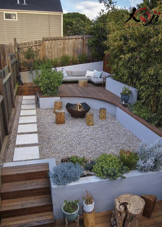 mẫu 3: sân vườn ngoài trời kết hợp nhiều vật trang trí như sỏi, đá, gạch ốp