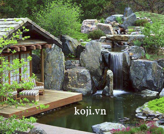 Phong cách thiết kế sân vườn Nhật Bản theo tầng lớp cùng thiết kế hồ cá chép koi tạo điểm nhấn riêng biệt