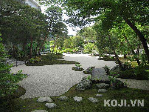 sân vườn dành cho đi dạo