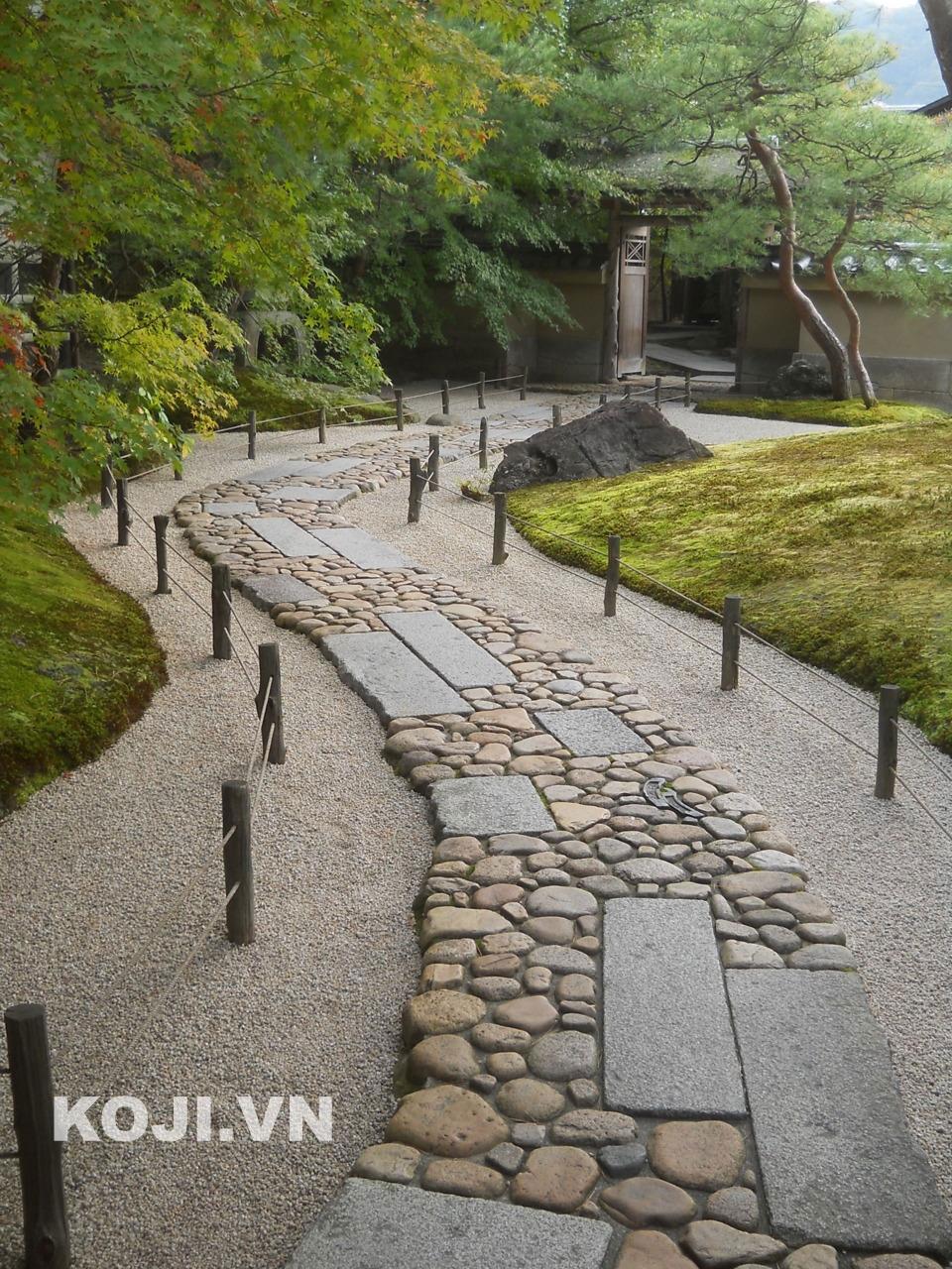 sân vườn kế hợp lối đi