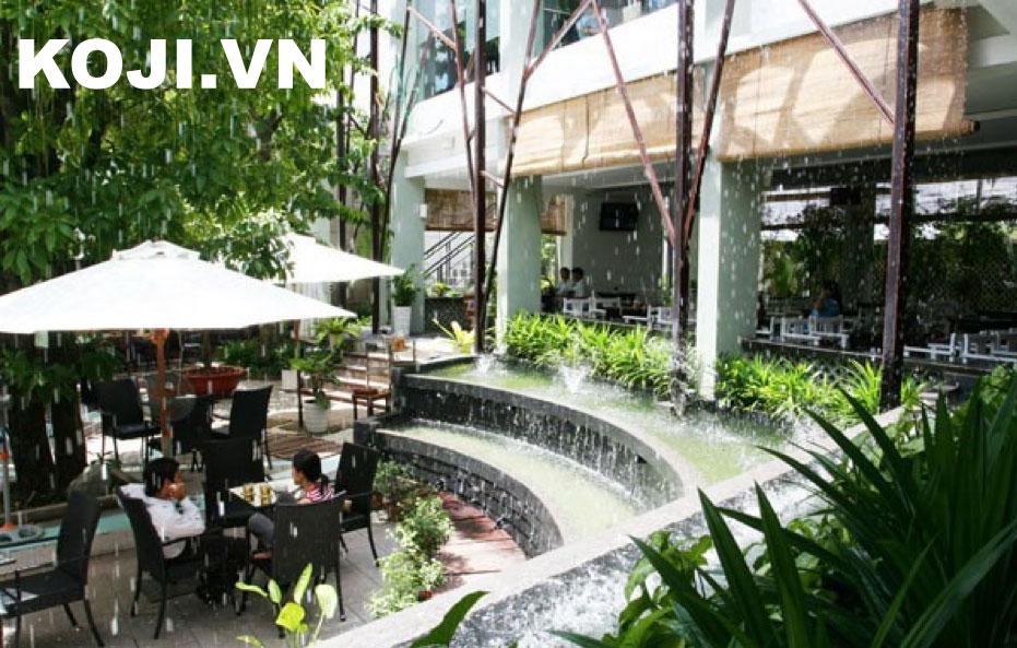 Mẫu café sân vườn kết hợp thác nước