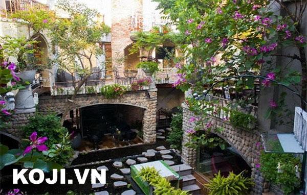 Thiết kế sân vườn café được nhiều người yêu thích