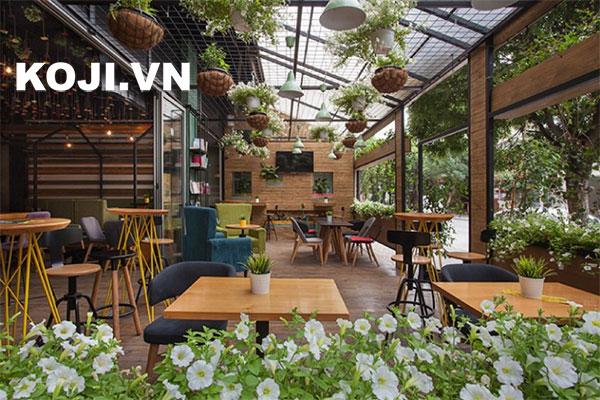 quán café kết hợp view sân vườn