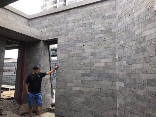 Đá tổ ong được sử dụng ốp tường nhà
