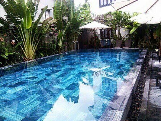 Đá xanh ngọc được sử dụng trong bể bơi