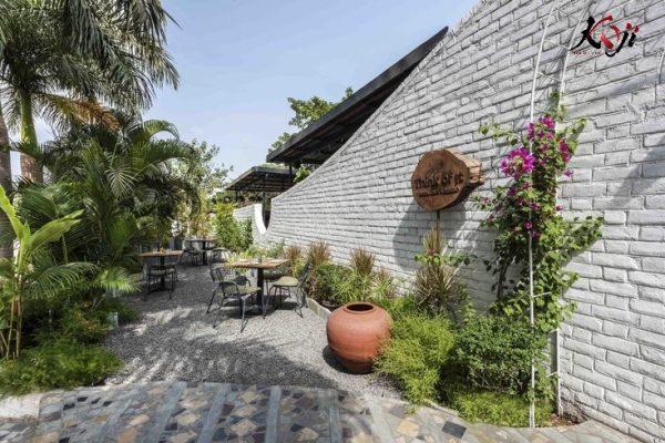 Nghệ nhân thi công dự án sân vườn đậm chất Á Đông
