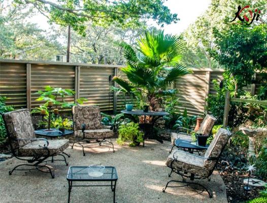 Mẫu thiết kế sân vườn ngoài trời theo phong cách cổ điển