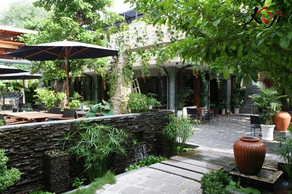Thiết kế quán cafe sân vườn thiên nhiên