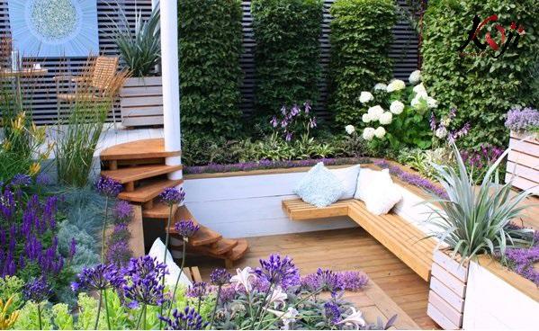 Sân vườn kết hợp các loài hoa