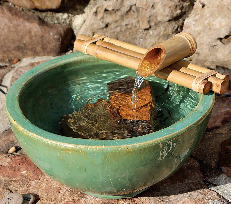 Thác nước hảy làm từ tre thân thiện với môi trường