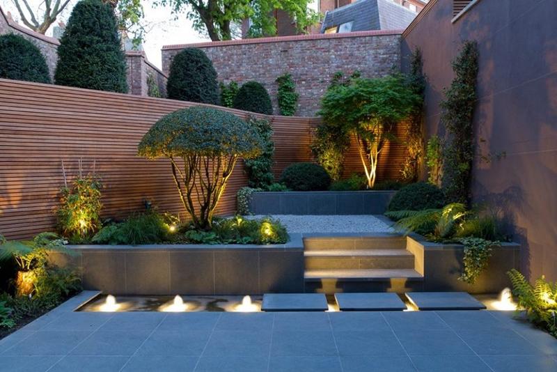 Có nhiều nguồn cung cấp ánh sáng cho sân vườn sau nhà