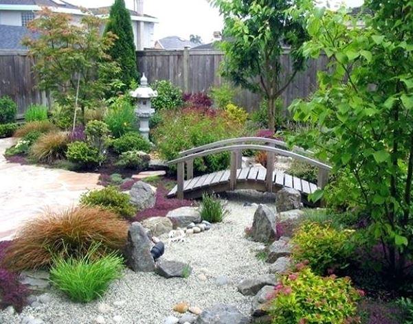 Sân vườn thiền kiểu Nhật Bản phía sau nhàSân vườn phong cách Nhật hướng tới sự đơn giản, gần gũi với thiên nhiên