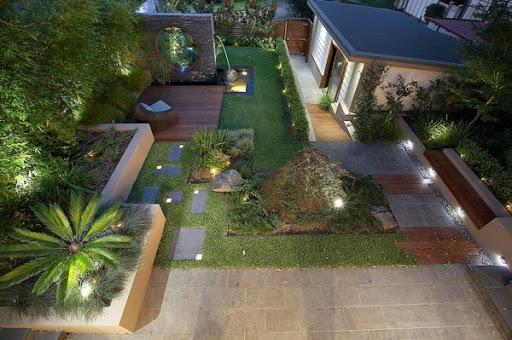 Sân vườn biệt thự thường có diện tích đất rộng, nằm trước hoặc sau căn biệt thự, có cây xanh và mang nhiều yếu tố tự nhiên